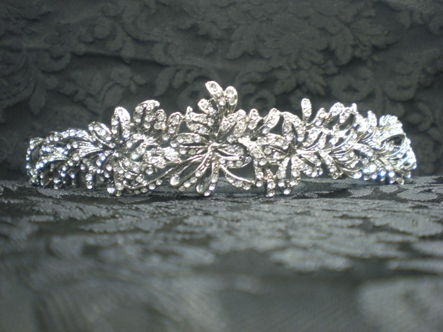 Silver wedding tiara, Oliva model.