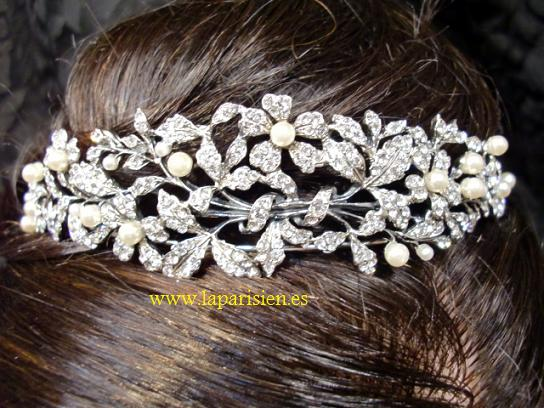 Silver wedding tiara, Basty model.