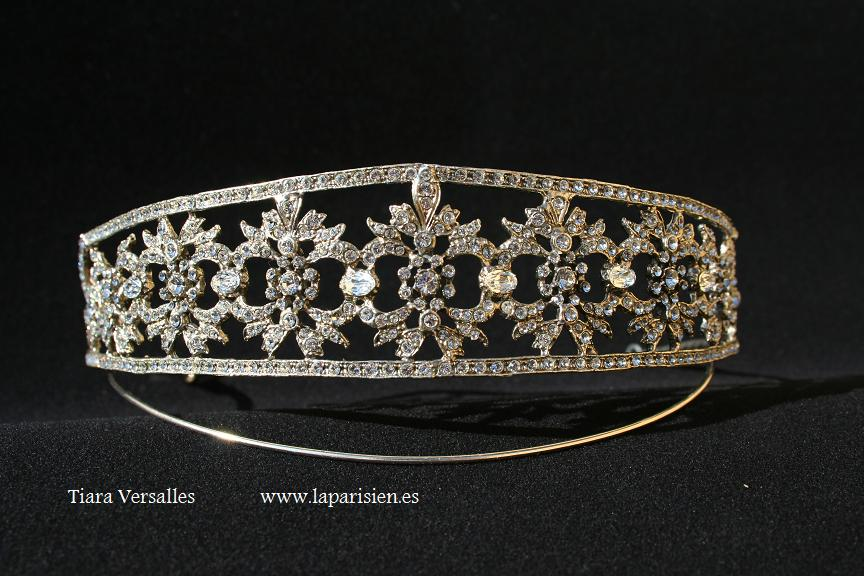 Silver wedding tiara, Versalles model.